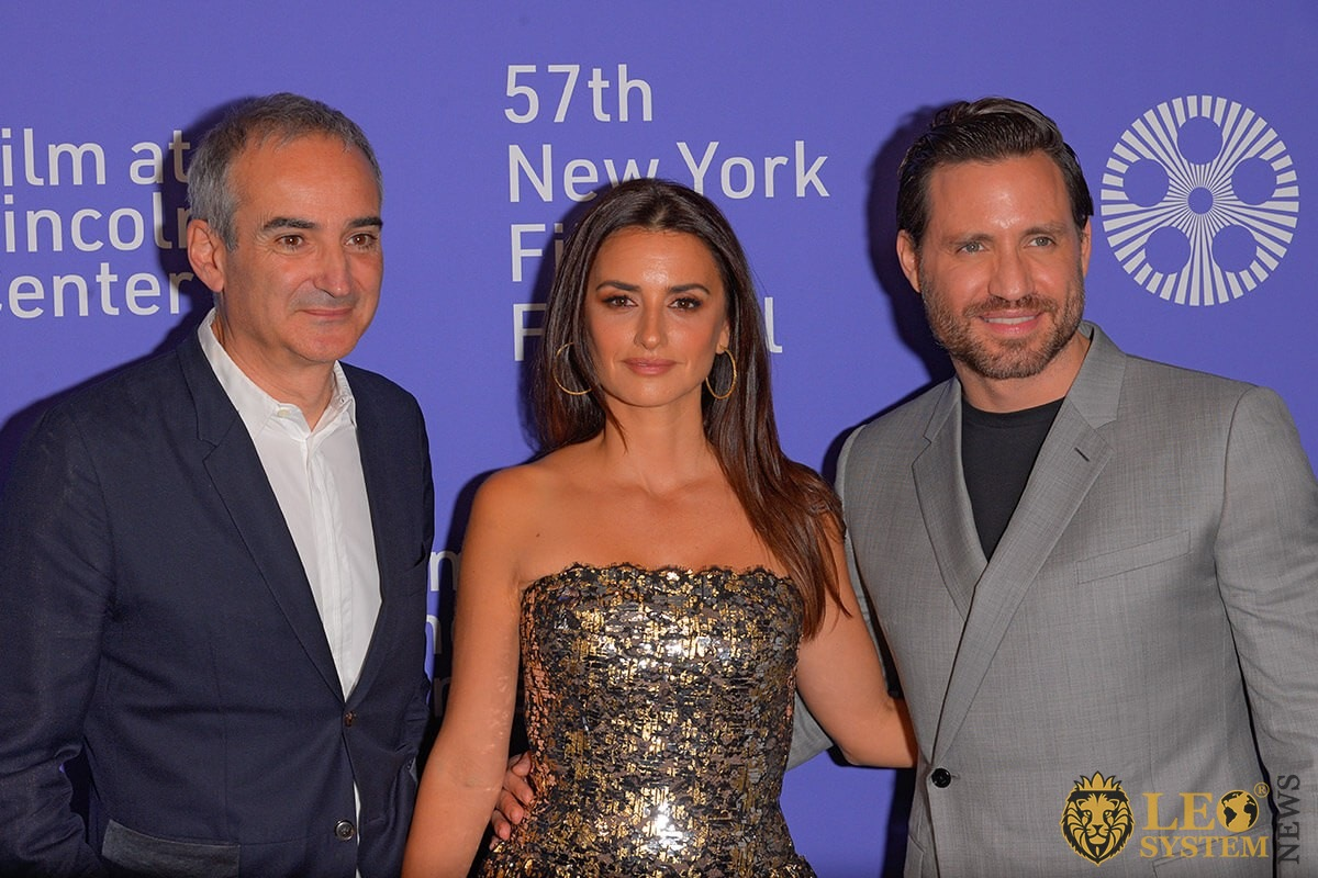 "Oliverier Assayas, Penelope Cruz and Edgar Ramirez on 57th New York Film Festival ""Wasp Network"""