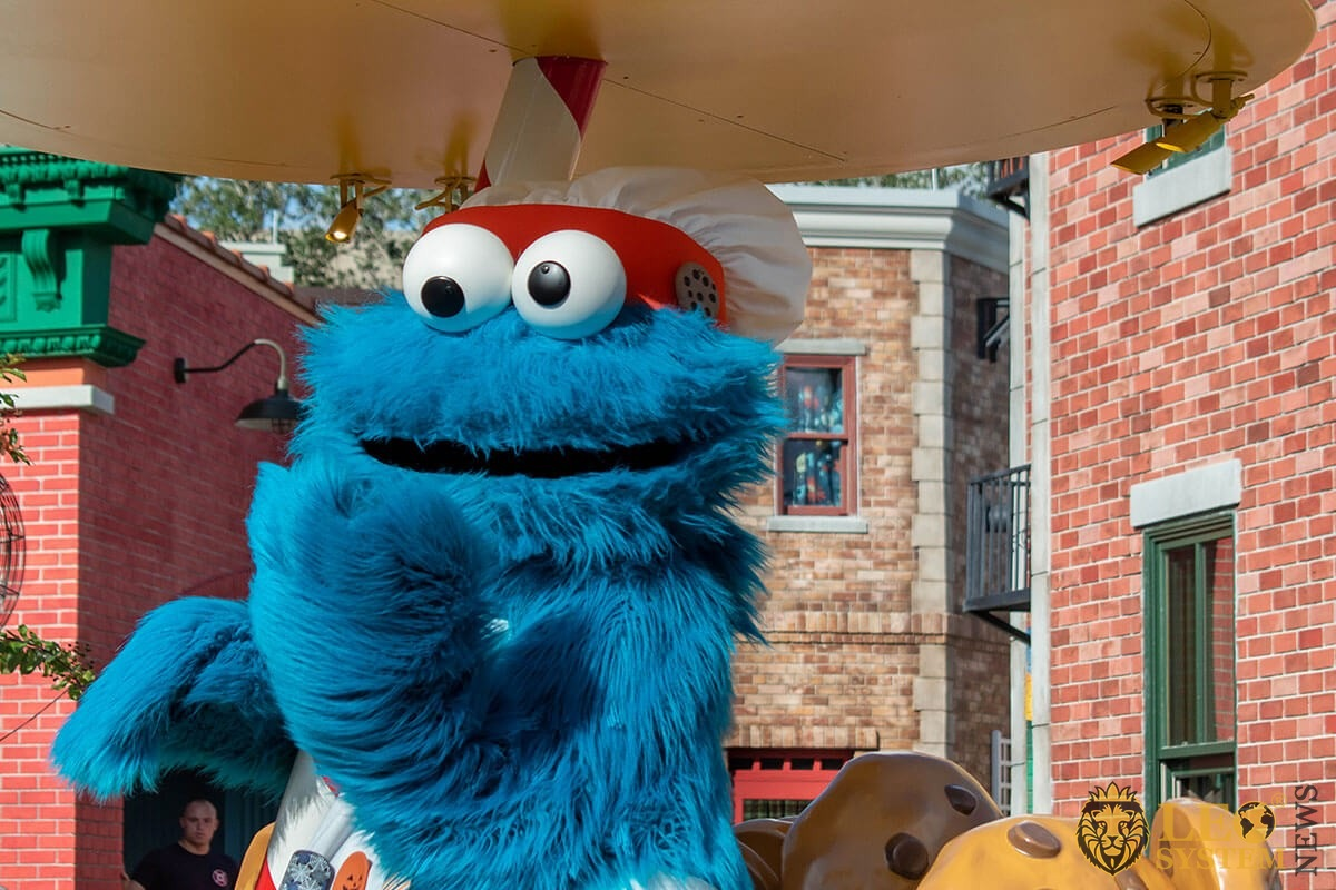 Cookie Monster in Sesame street party parade at Seaworld