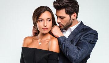 Why Do Women Choose Rich Men? Life Tips.