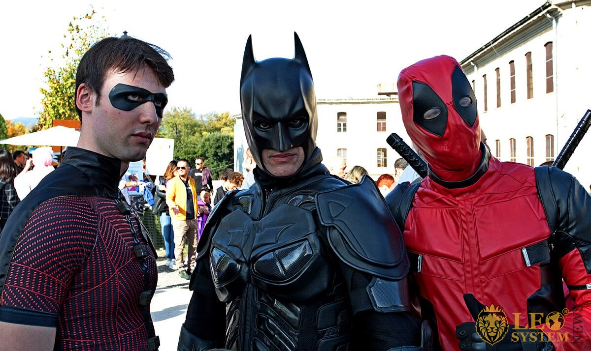 Cosplay at the Lucca Comics & Games - masked by Batman, Robin and Deadpool