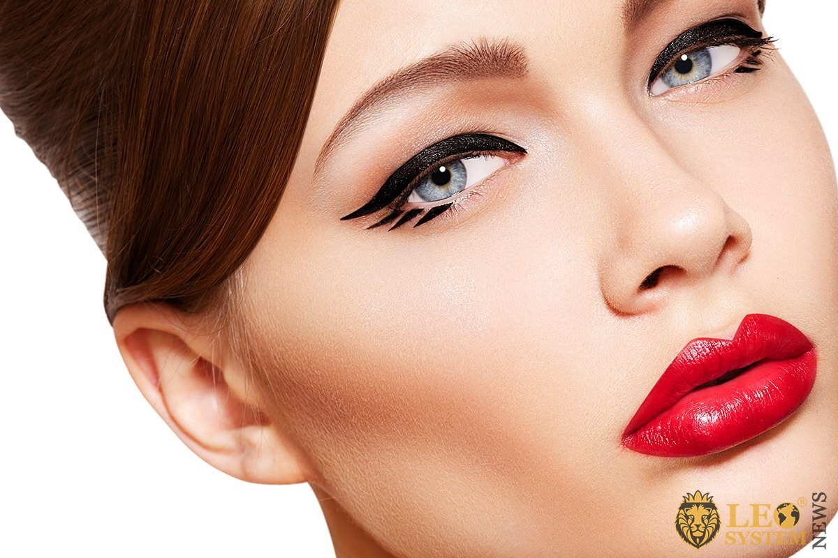 Woman with beautiful red lips
