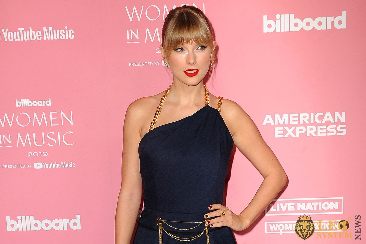 Taylor Swift - Billboard Women in music held at the Hollywood Palladium in Hollywood, USA