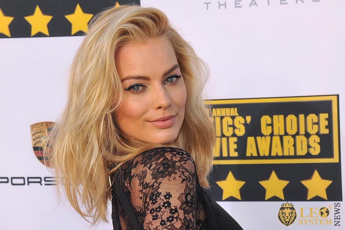Margot Robbie - popular blonde