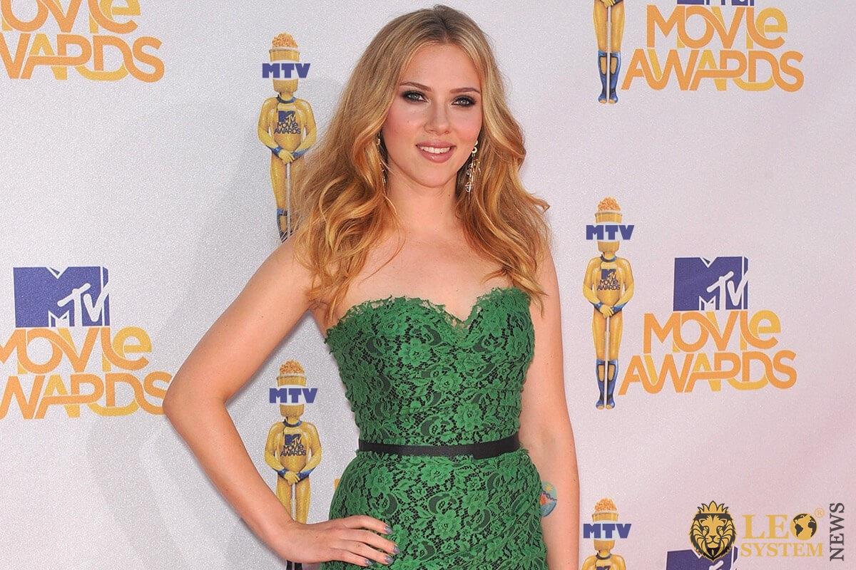 Photo Scarlett Johansson - star blonde