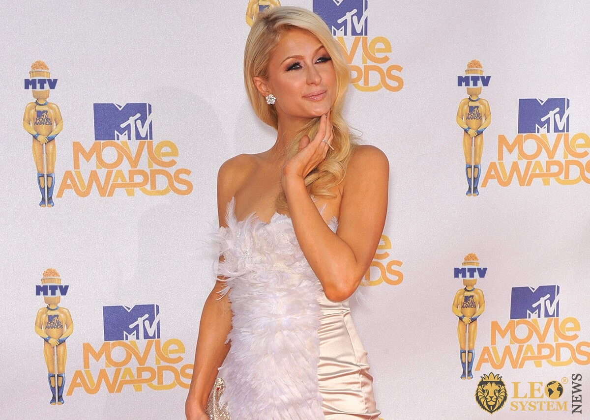 Popular star blonde Paris Hilton
