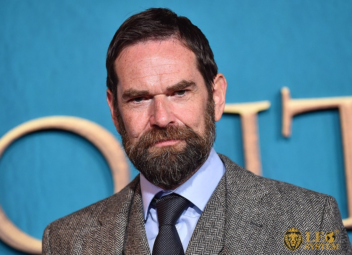 Duncan Lacroix at the premiere of Season 5 of the television series Outlander, Hollywood, CA