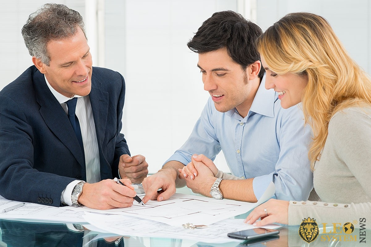 Image of people conducting business negotiations