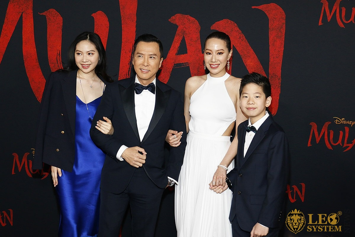Jasmine Yen, Donnie Yen, Cissy Wang, James Yen - World Premiere of Disney's «Mulan», Hollywood, Los Angeles