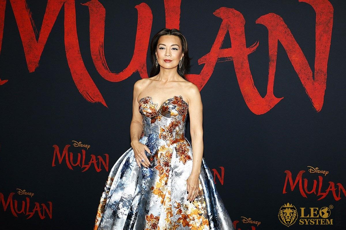 Ming-Na Wen at the World Premiere of Disney's «Mulan», Hollywood, Los Angeles