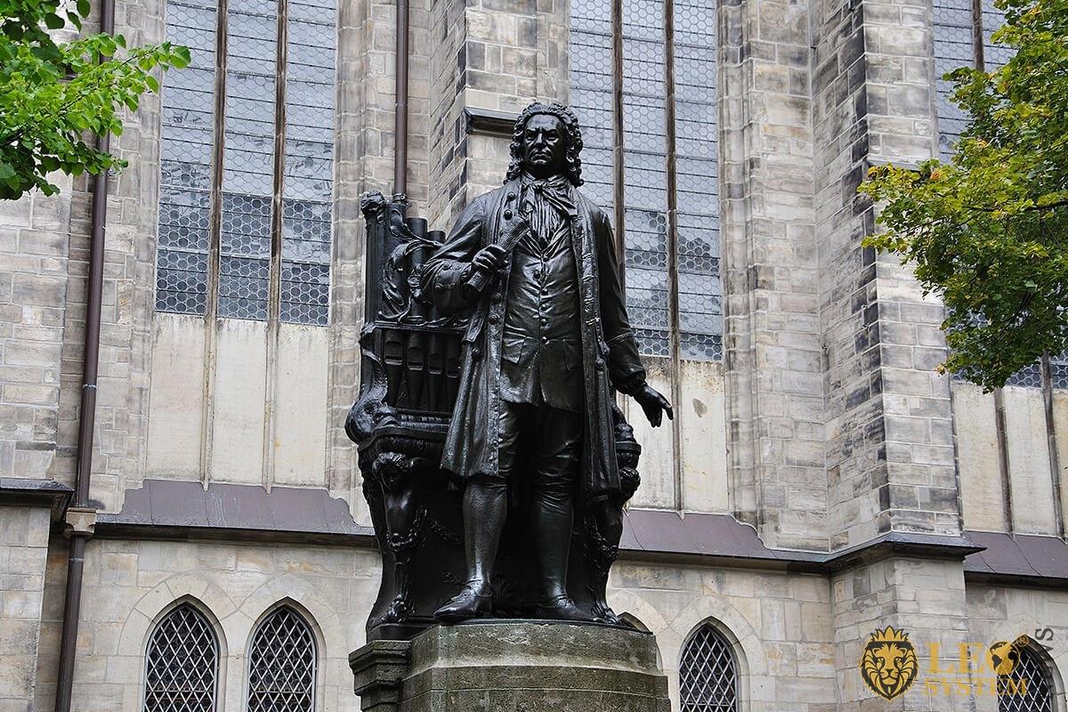 Image of statue of Johann Sebastian Bach