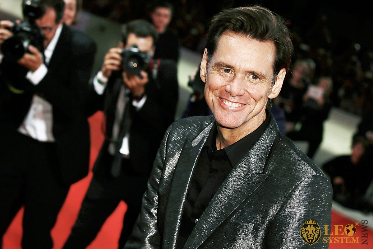 Image of Jim Carrey with a smile