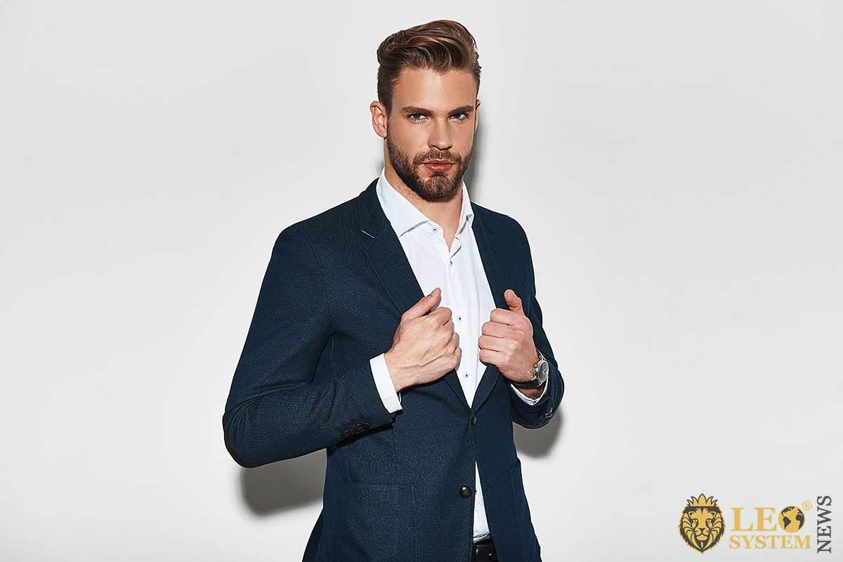 Image of an ambitious man in a business suit