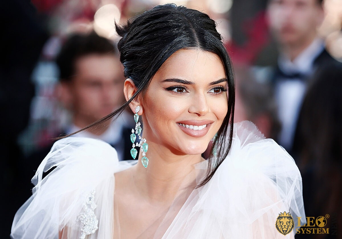 American model Kendall Jenner with an attractive smile