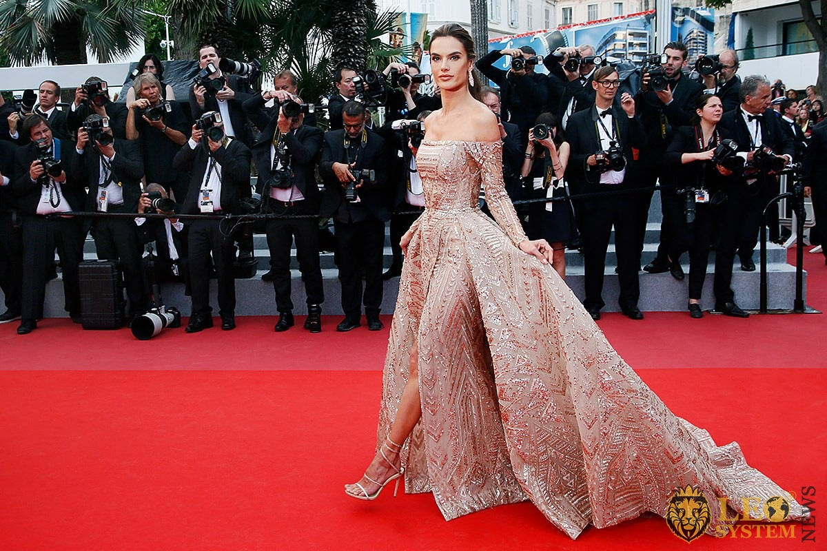 Brazilian model Alessandra Ambrosio on the red carpet in a beautiful dress