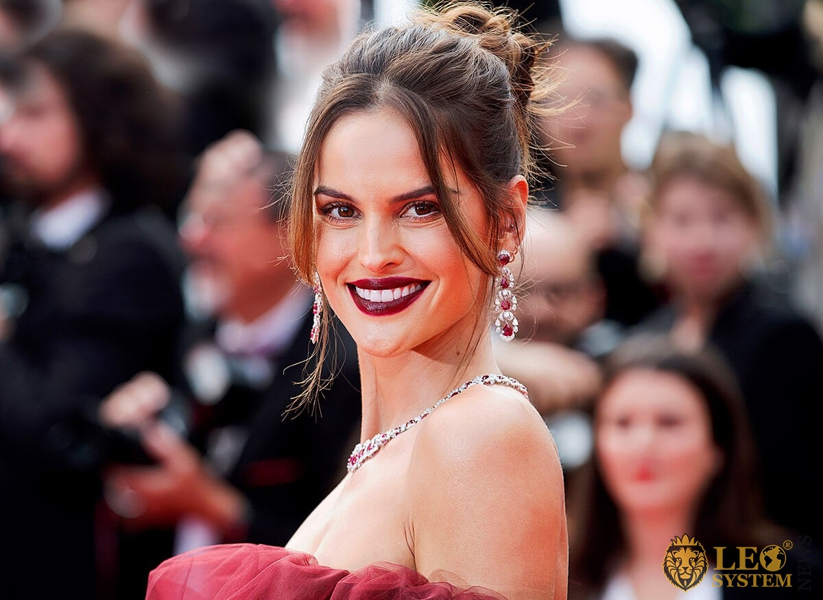 Brazilian fashion model Izabel Goulart pleasantly smiles
