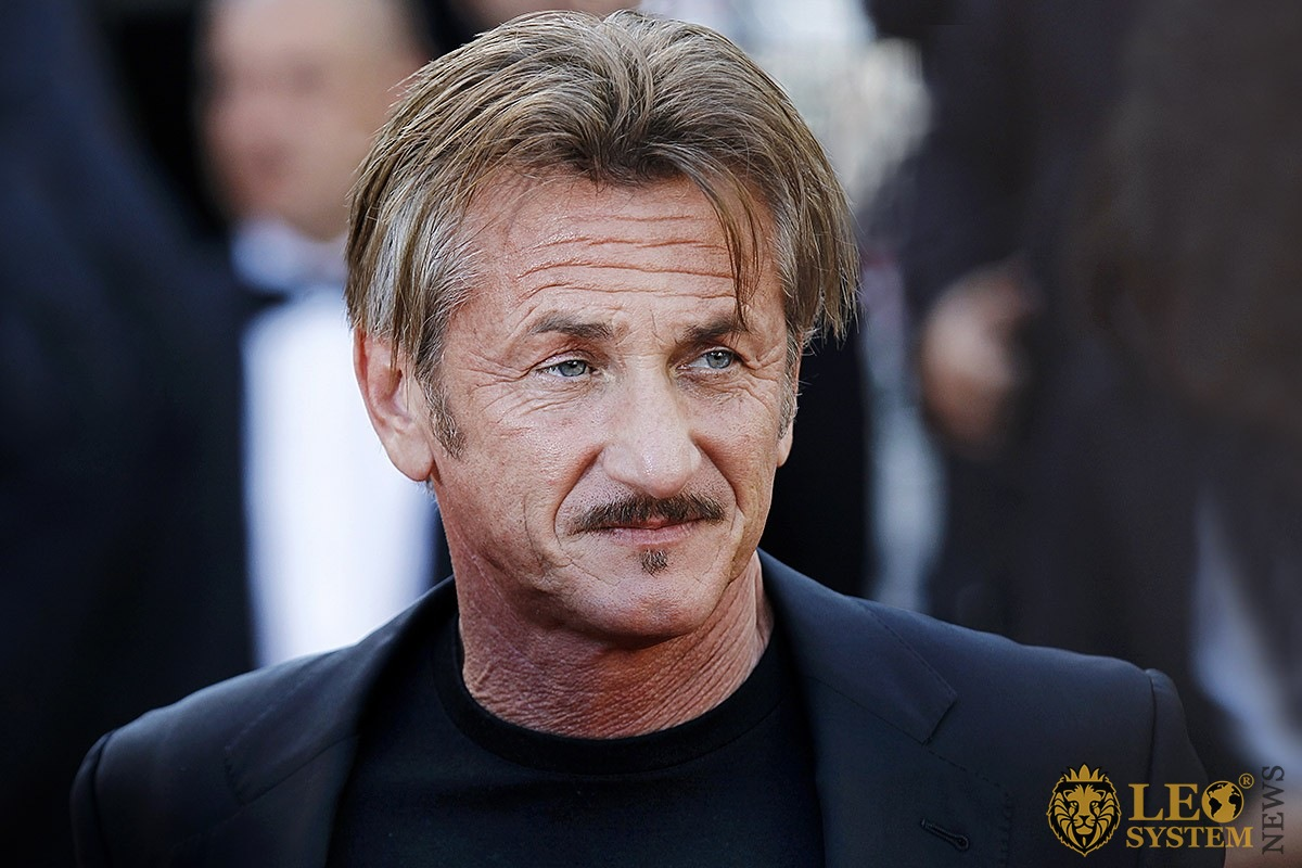 The piercing look of American actor Sean Penn