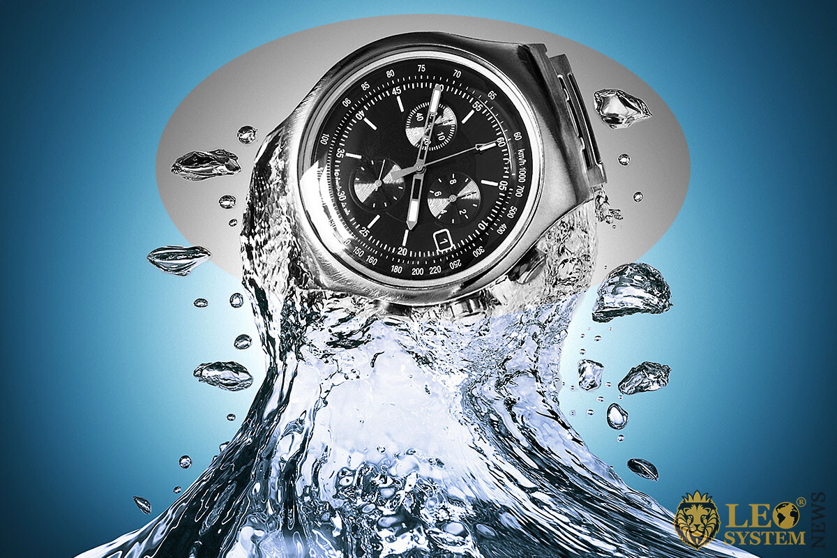 Image of water flow and clock