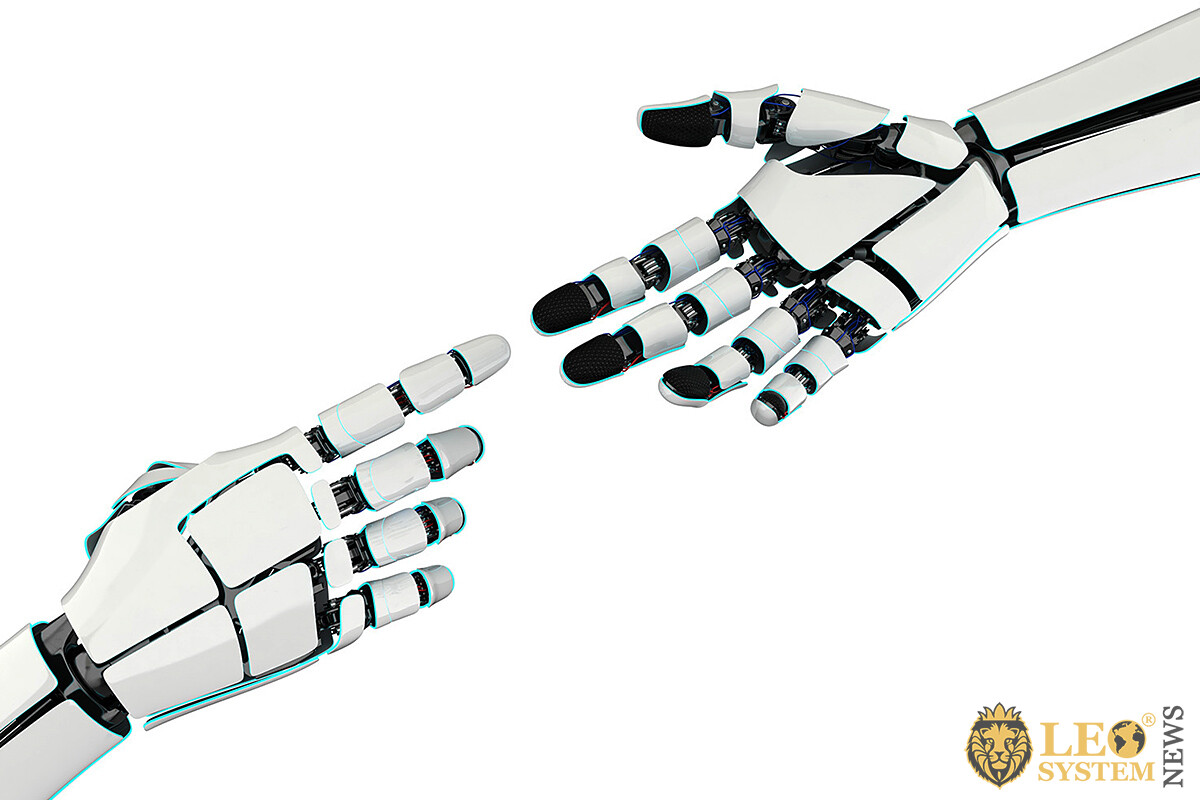 Image of the hands of a humanoid robot
